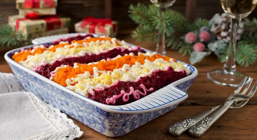 Финский салат «Росоли»: селедка под шубой и винегрет в одном блюде