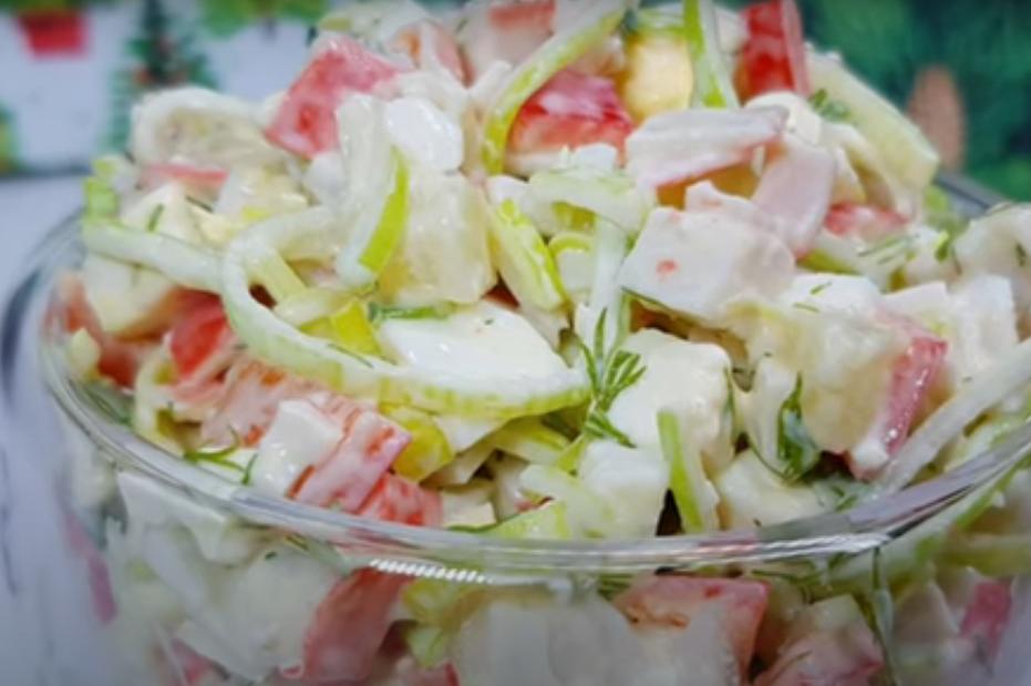 Сказочный салатик с крабовыми палочками