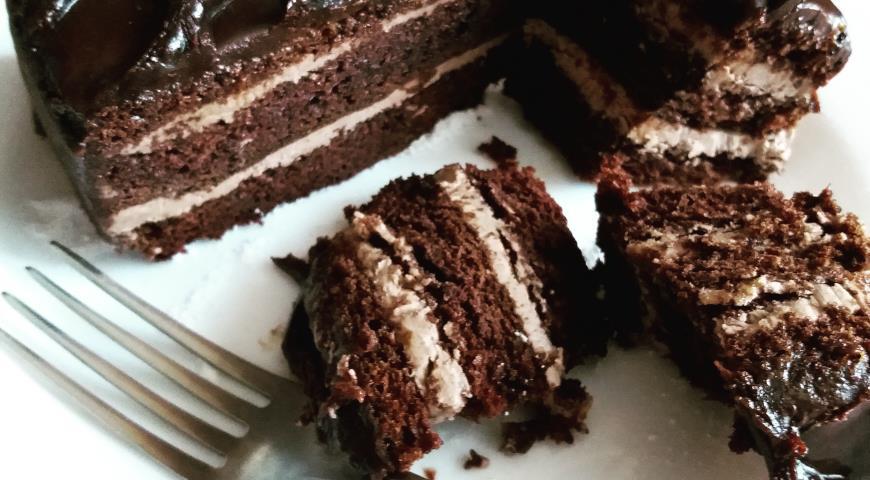 Шоколадный торт к праздничному столу