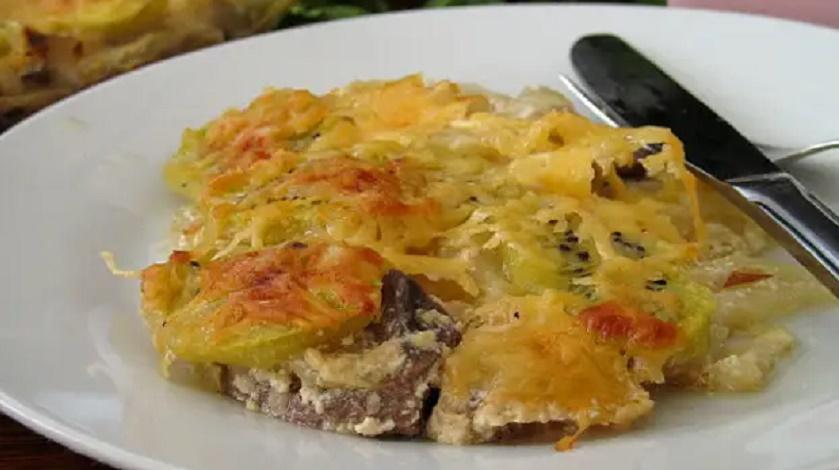 Говяжье сердце под сливочно-луковым соусом: вкуснятина с киви в духовке