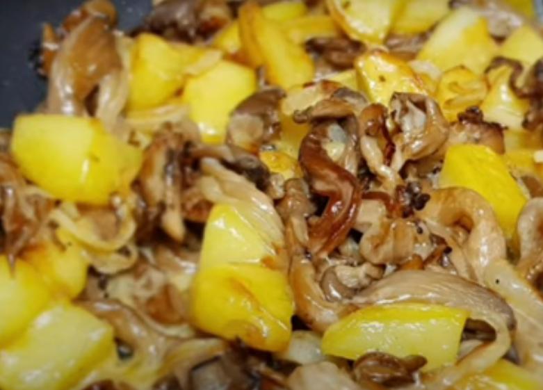Ароматный картофель с грибами