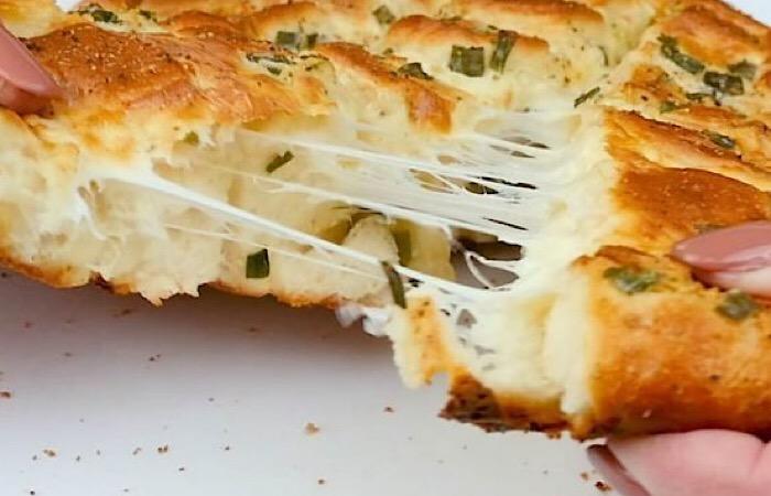 Вкуснейший сырный хлеб в духовке