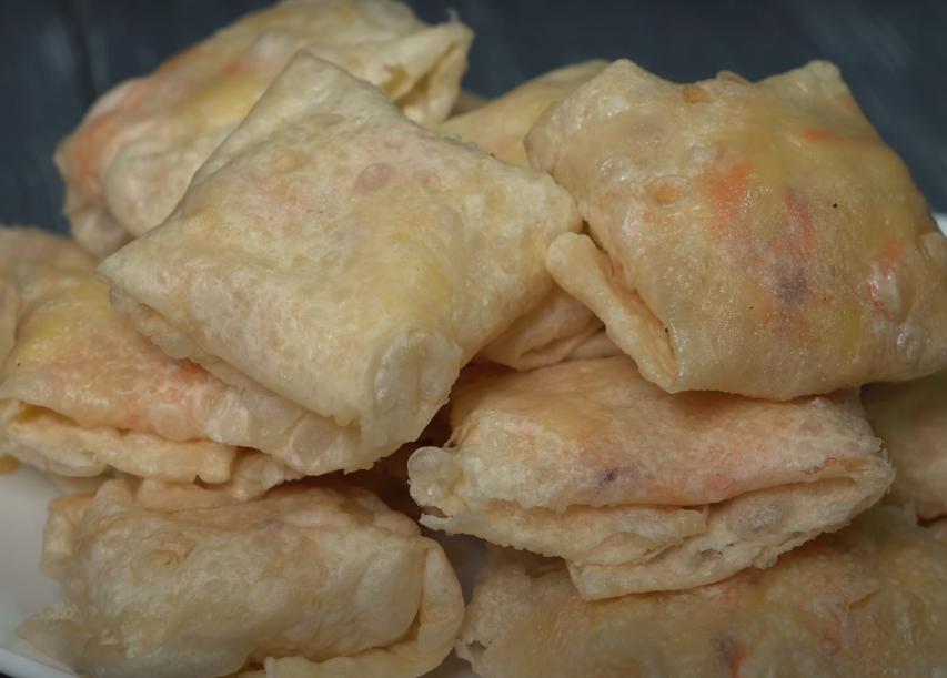 Конвертики с картофелем: сытный обед на большую семью