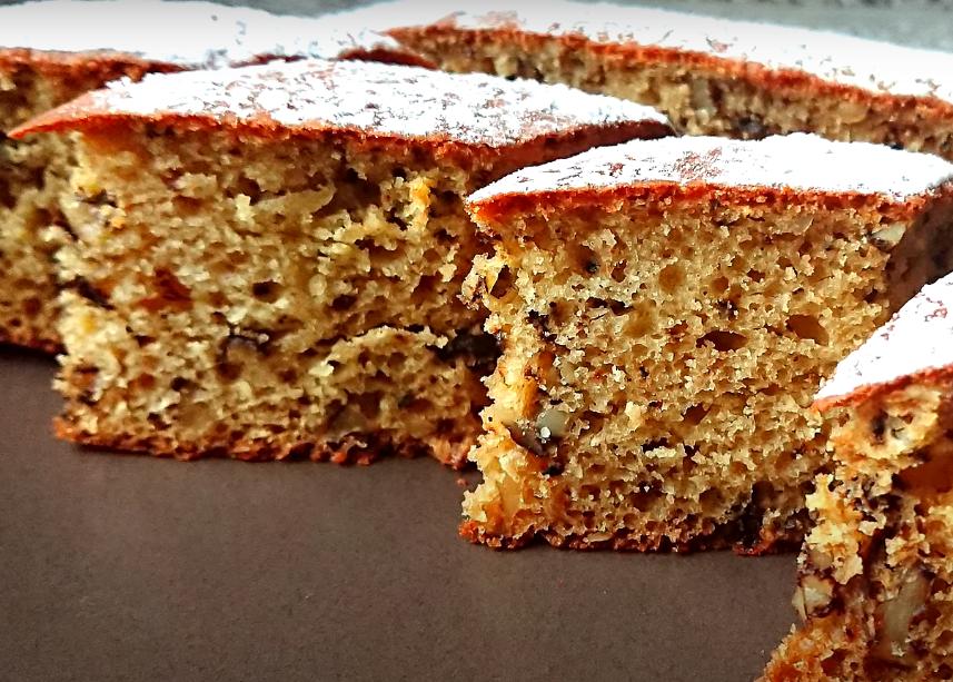Медовый домашний пирог с орехами