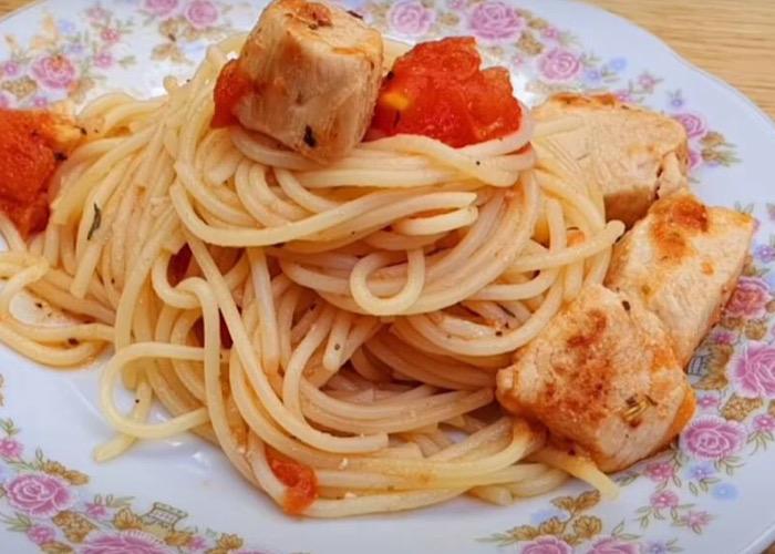 Вкуснейший ужин: макароны с индейкой
