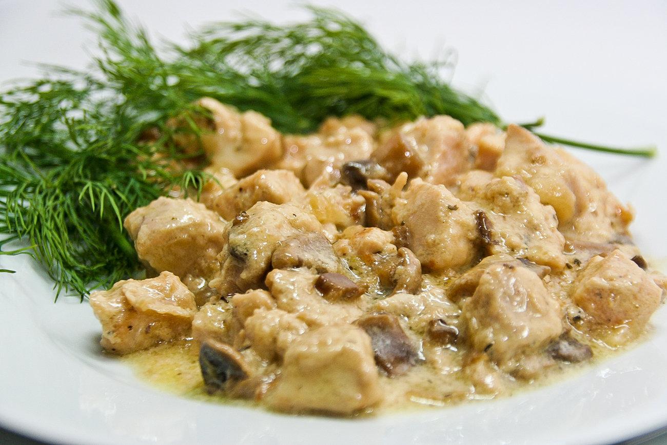 Курица с грибами в сливках: невероятно вкусное блюдо
