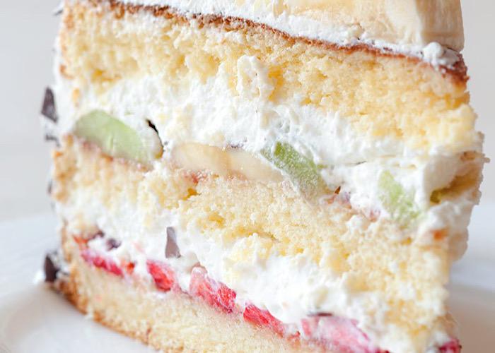 Вкуснейший семейный торт с фруктами