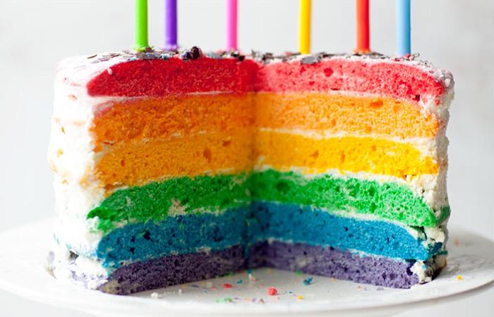 Радужный торт - яркое украшение праздничного стола