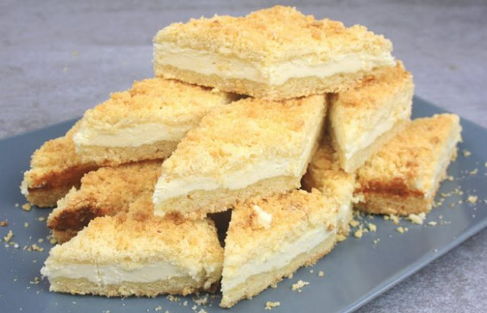 Вкуснейший пирог из песочной крошки с творогом