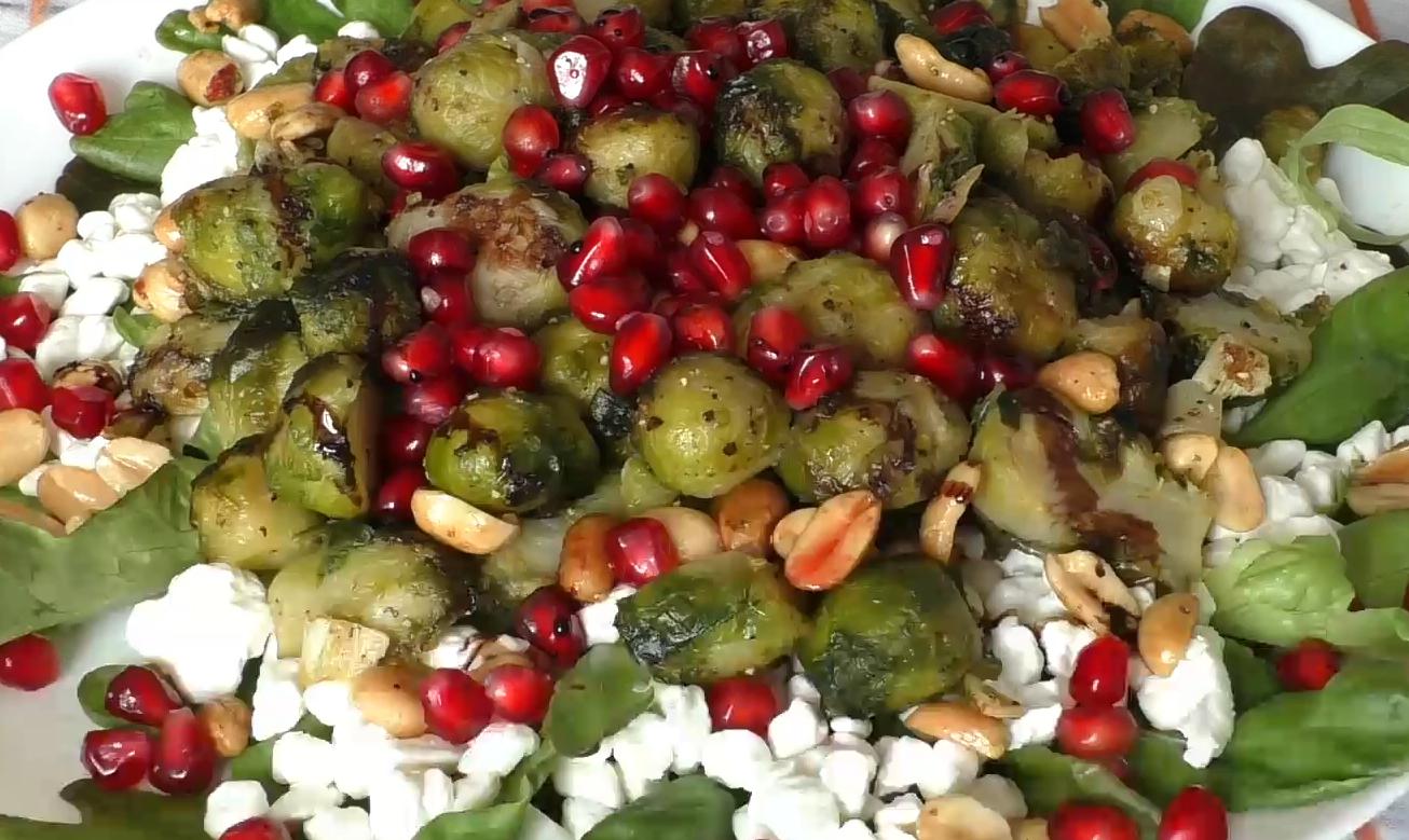 Потрясающе вкусный салат из брюссельской капусты