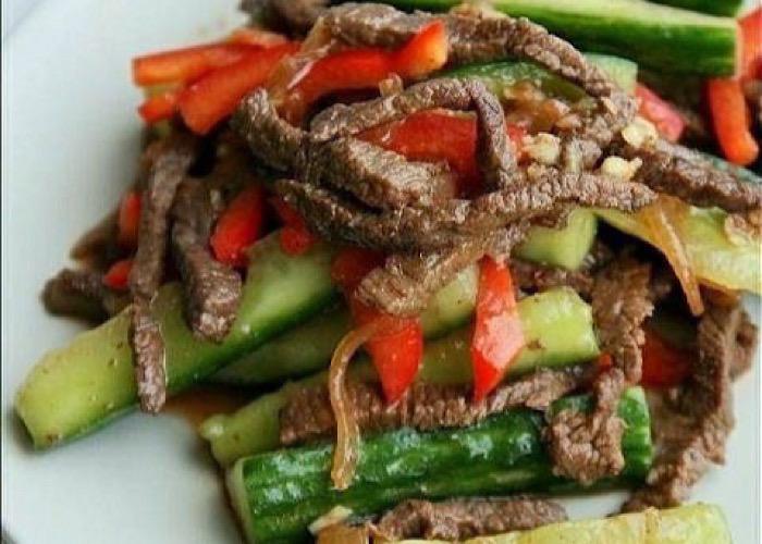 Очень вкусные огурцы с мясом по-корейски