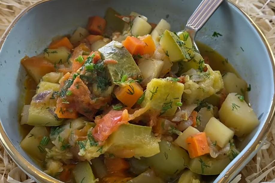 Овощное рагу с кабачками и картошкой