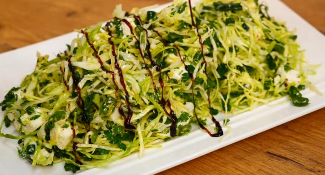 2 салата из молодой капусты