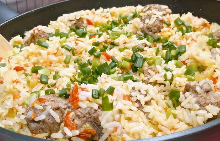 Аппетитные тефтели с рисом и овощами