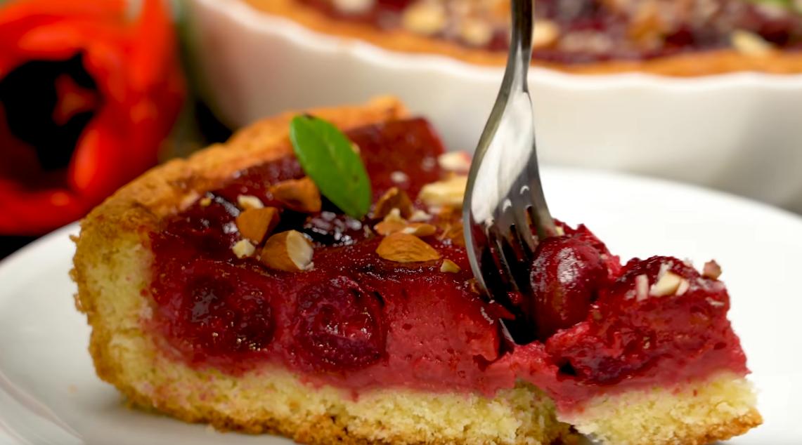 Восхитительный вишневый пирог