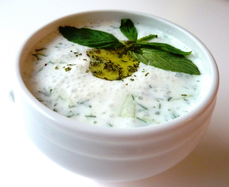 """Популярная  турецкая закуска """"Джаджик"""""""