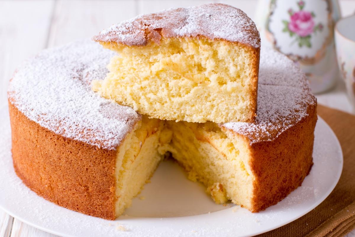 Масляный бисквитный пирог