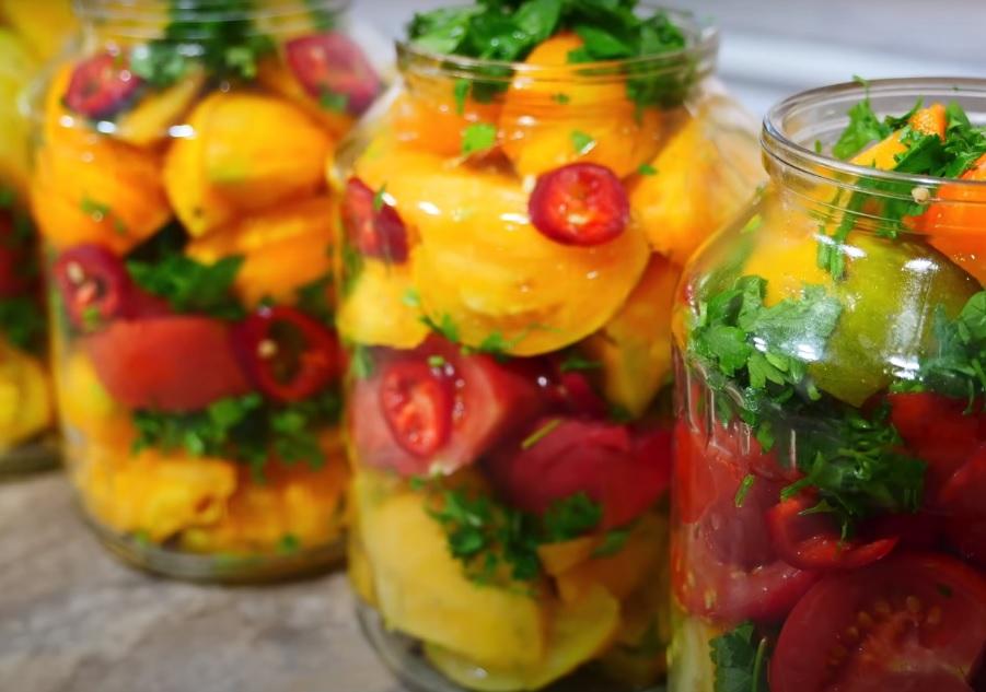 Восхитительный салат из помидоров