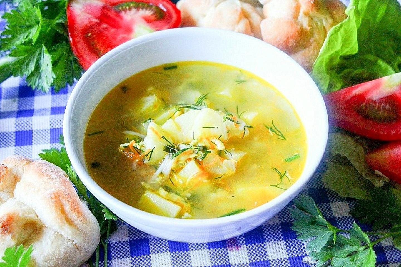 Овощной суп с куриным филе и салом